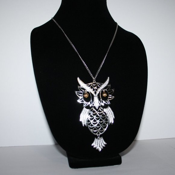 """Beautiful silver and gold owl necklace 24"""""""
